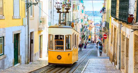 Uno de los míticos tranvías de Lisboa.