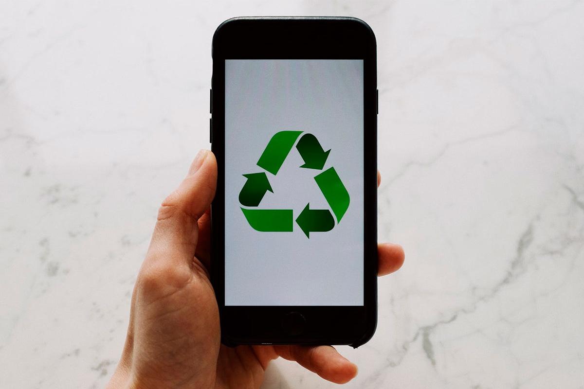 Sólo un 10% de los españoles recicla su móvil viejo