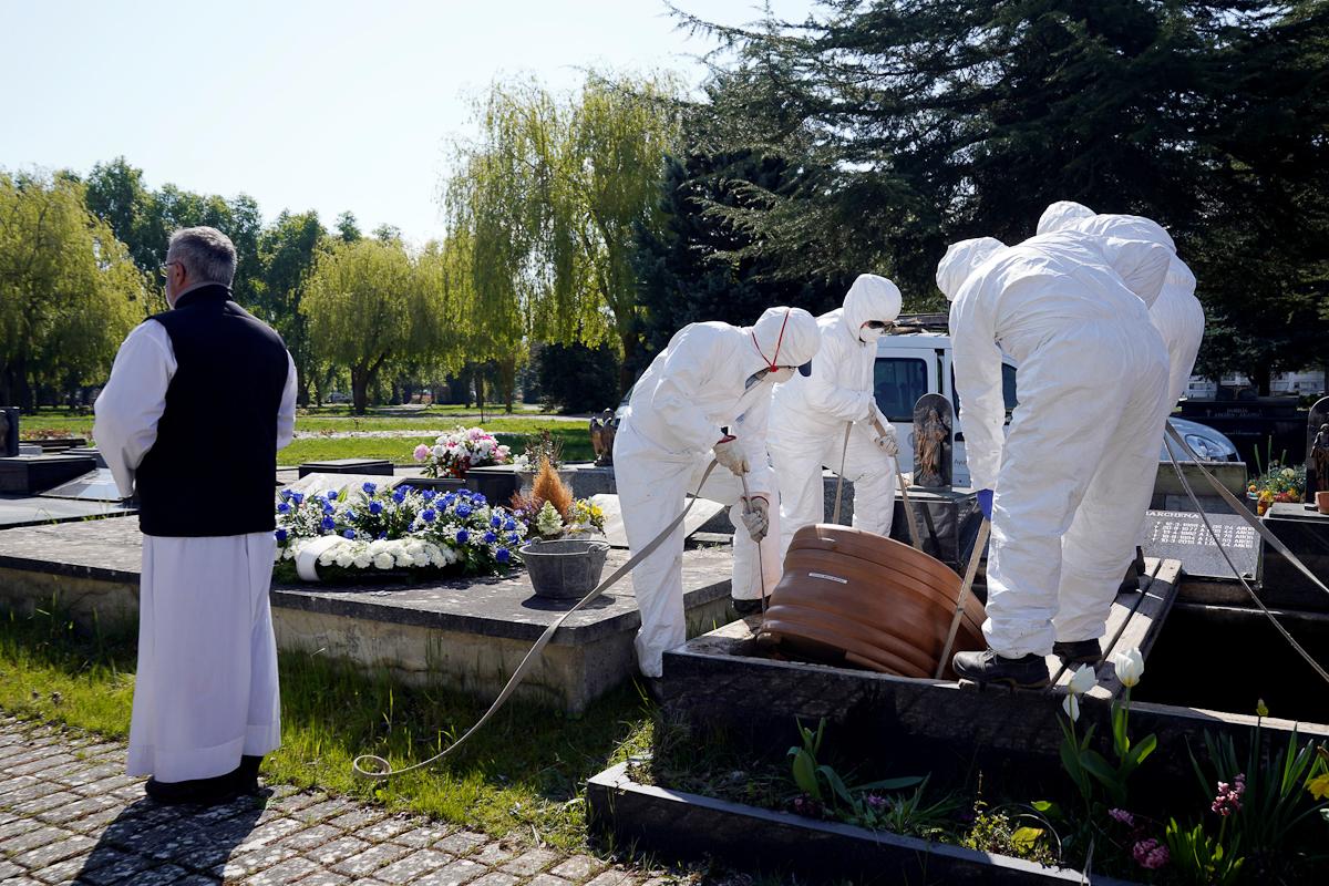 Cinco cifras diferentes de fallecidos por Covid-19