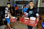 Los antiguos 'niños de la calle' que luchan contra el hambre en Ceuta