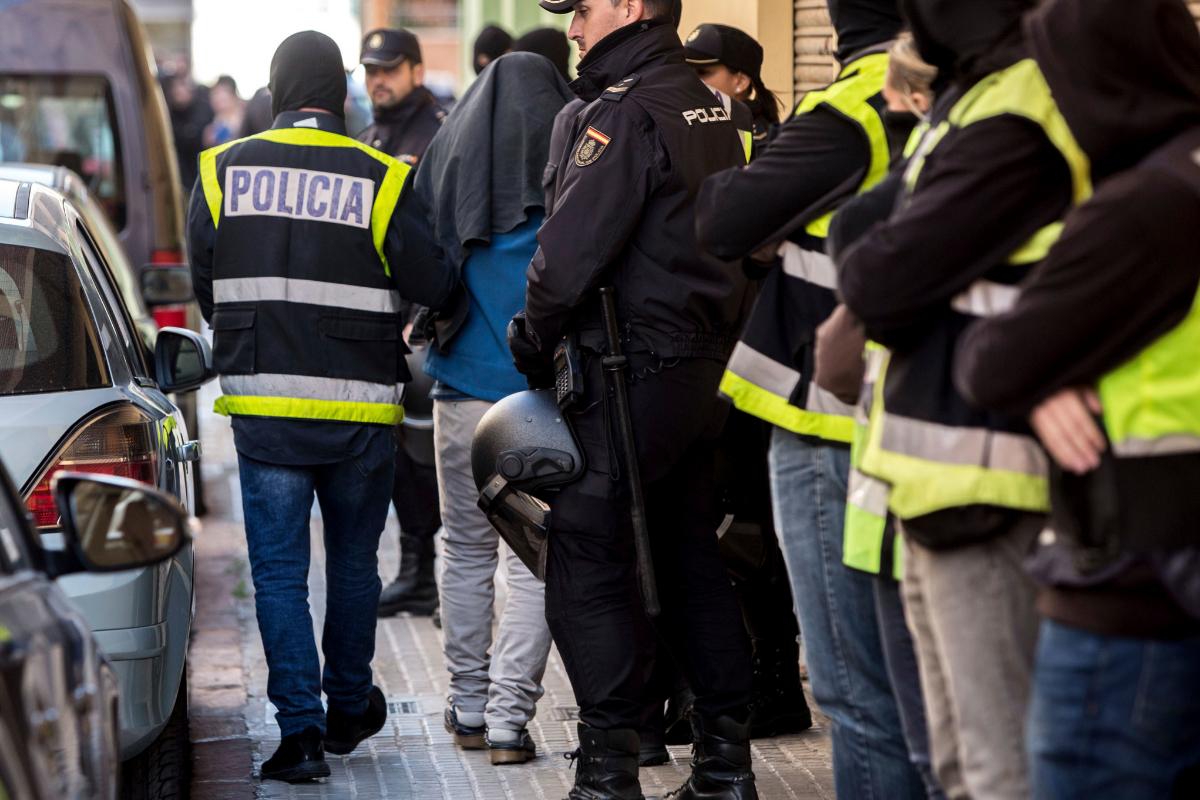 El yihadista detenido en Madrid se instruía sobre cómo realizar degollamientos
