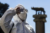 Rome (Italy).- A worker arrives for sanitization operations at Campidoglio in Rome, Italy, 06 June 2020. Several countries around the world have started to ease COVID-19 lockdown restrictions in an effort to restart their economies and help people in their daily routines after the outbreak of lt;HIT gt;coronavirus lt;/HIT gt; pandemic. ( lt;HIT gt;Italia lt;/HIT gt;, Roma) EPA/