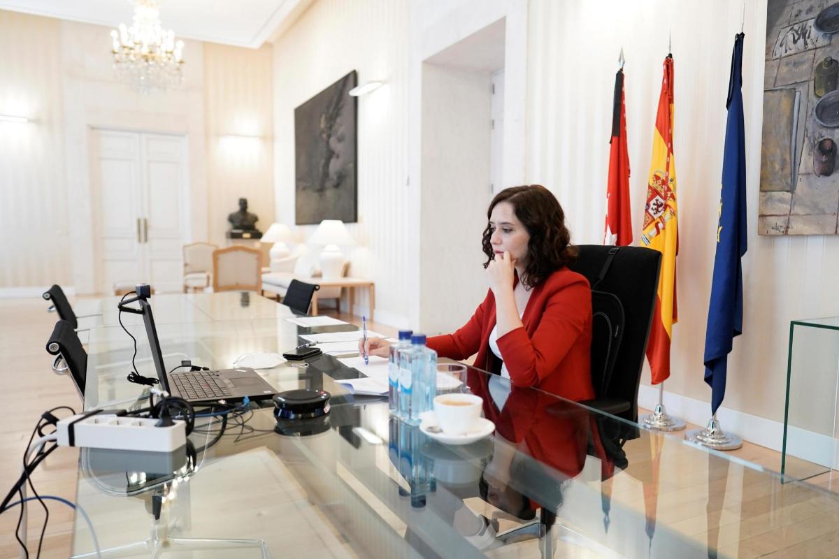 La presidenta madrileña, Isabel Díaz Ayuso, este domingo, en la conferencia de presidentes autonómicos.