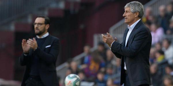 Bordalás y Setién, en la zona técnica del Camp Nou.