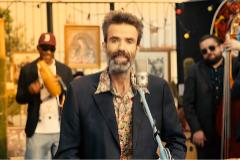 Imagen del vídeo 'Eso que tú me das' de Jarabe de Palo.