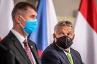 lt;HIT gt;Lednice lt;/HIT gt; (Czech Republic).- Czech Prime Minister Andrej Babis (L) and Hungarian Prime Minister Viktor Orban (R) wear protective face masks during a press conference after the Visegrad Group (V4) summit at lt;HIT gt;Lednice lt;/HIT gt; Chateau in lt;HIT gt;Lednice lt;/HIT gt;, Czech Republic, 11 June 2020. (República Checa, Niza) EPA/