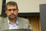 El candidato de Podemos a la Comisión Nacional de Mercados y Competencia (CNMC), Carlos Aguilar, en su comparecencia este jueves en el Congreso de los Diputados