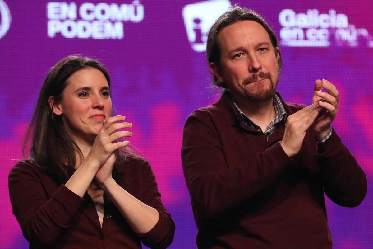 Pablo Iglesias e Irene Montero en un acto de campaña en Alcalá de Henares previo a las elecciones del 11-N