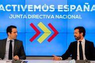 Teodoro García Egea y Pablo Casado, en una reunión de la Junta Directiva Nacional del PP.
