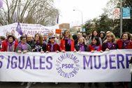Delegación del PSOE y del Gobierno en la última manifestación del 8-M.