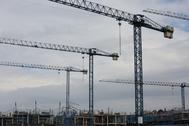 Grúas en una obra de construcción en Madrid.