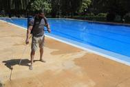 Así será la reapertura de piscinas municipales en Madrid el 1 de julio: aforo del 30%, turnos con reserva y prohibido comer
