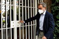 GRAFCAT8053. BARCELONA.- El expresidente de la Generalitat Artur Mas ha acudido este mediodía al domicilio del expresident lt;HIT gt;Jordi lt;/HIT gt; lt;HIT gt;Pujol lt;/HIT gt;, en la ronda General Mitre de Barcelona, para felicitarlo por su 90 cumpleaños.