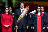 Nicolás Maduro junto a su mujer Cilia Floresy Gladys Gutiérrez.