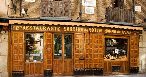 Fachada del restaurante Botín de Madrid, el más antiguo del mundo.