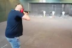 La Abogacía del Estado denunciará el vídeo donde disparan a fotos de Sánchez, Iglesias, Marlaska y Echenique
