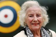FILE PHOTO: Second World War British Forces Sweetheart lt;HIT gt;Vera lt;/HIT gt; lt;HIT gt;Lynn lt;/HIT gt; attends the Battle of Britain commemoration outside the Churchill War Rooms in London