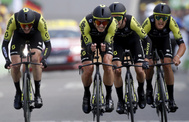 Cycling - Tour de France - The 27.6-km Stage 2 Team Time Trial from Brussels Royal Palace to Brussels Atomium - July 7, 2019 - lt;HIT gt;Mitchelton-Scott lt;/HIT gt; riders finish. REUTERS/Christian Hartmann - RC156E14A930