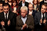 Pedro Sánchez, Felipe González y José Luis Rodríguez Zapatero, en una conferencia política del PSOE, en 2015.
