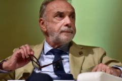 Giuseppe Remuzzi, director del Instituto de Investigación Farmacológica de Italia.