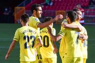 Gerard celebra el gol del encuentro con sus compañeros.