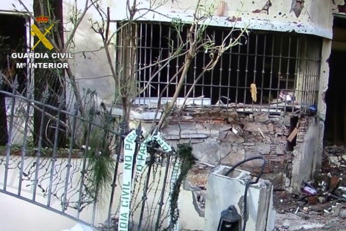Efectos de la bomba colocada en Marbella.