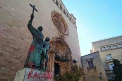 Atacan la estatua del santo Junípero Serra, señalada por una concejal de Podemos