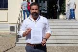 El hoy alcalde de Cartaya por el PP, Manuel Barroso, tras interponer la denuncia por el intento de soborno contra el candidato del PSOE.