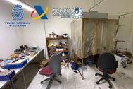 Uno de los tres talleres desmantelados en la operación policial