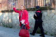 Carme Forcadell, a su llegada, el lunes, al centro penitenciario de Wad-Ras (Barcelona).