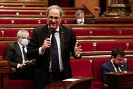 El presidente de la Generalitat, Quim Torra, responde una pregunta durante la sesión de control en el Parlament .