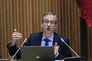 El gobernador del Banco de España, Pablo Hernández de Cos, ayer en el Congreso.