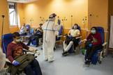 Sala de espera del hospital madrileño Gómez Ulla el pasado 1 de abril