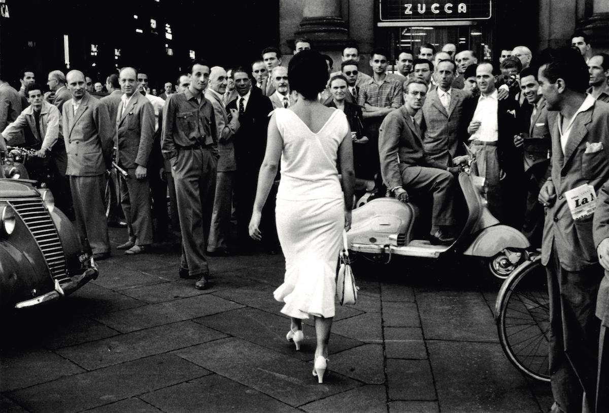 Una de las instantáneas de Mario Giacomelli de la muestra 'Entre el arte y la moda' de CentroCentro.