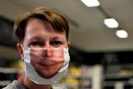 Un empresario belga crea mascarillas personalizadas.