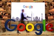 Un logotipo de Google en una oficina de la compañía en Berlín.