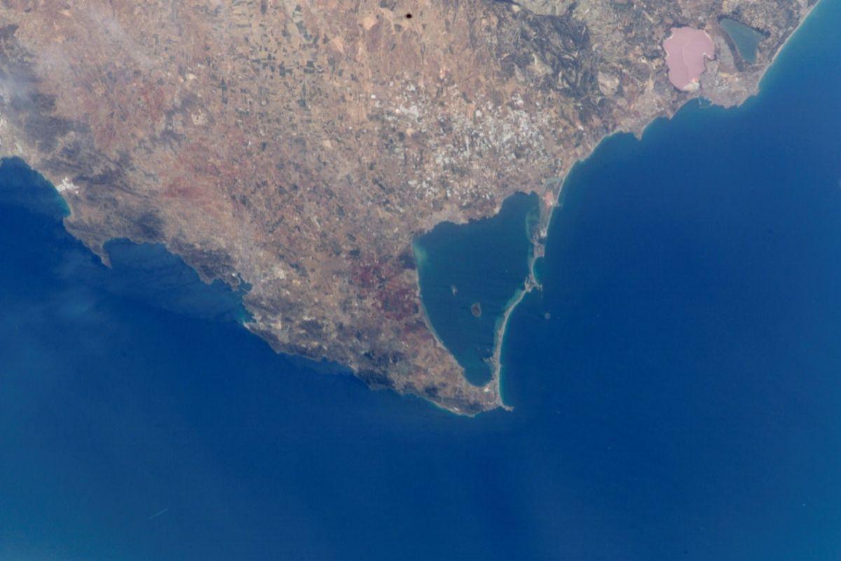 Vista aérea del Mar Menor y su costa.