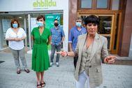 Iriarte junto al resto de candidatos de EH Bildu en las horas previas al inicio de la campaña electoral.
