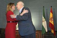 La ex presidenta de la Junta, Susana Díaz, recibe en su despacho al entonces secretario general de CCOO en Andalucía, Francisco Carbonero.