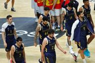 GRAFCVA6263. lt;HIT gt;VALENCIA lt;/HIT gt;.- Los jugadores del lt;HIT gt;Real lt;/HIT gt; lt;HIT gt;Madrid lt;/HIT gt; abandonan la cancha al finalizar el segundo partido de la cuarta jornada del grupo B de la fase final de la Liga Endesa que han disputado ante el Mora Banc Andorra, en el pabellón de la Fuente de San Luis de lt;HIT gt;Valéncia lt;/HIT gt;.