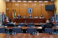 La comisión parlamentaria de recuperación, presidida por el diputado Manuel Gavira (Vox).