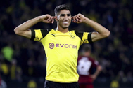 Achraf Hakimi celebra un gol esta temporada con el Borussia.