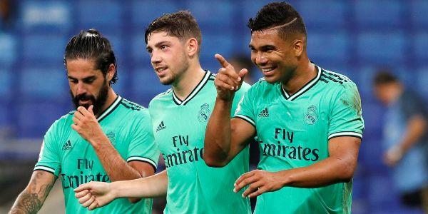 Casemiro festeja su gol junto a Isco y Valverde.