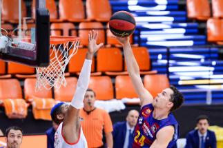 Un Barça sin piedad despierta del sueño al Burgos