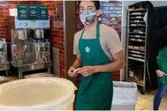 Lenin Gutiérrez, el barista de Starbucks que se negó a servir a una mujer sin mascarilla