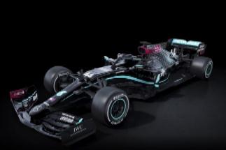 El monoplaza Mercedes, con su nuevo color negro.