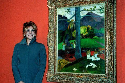 La 'misteriosa' mujer que viajó (hasta en el camión) con el 'Mata Mua' de la baronesa Thyssen