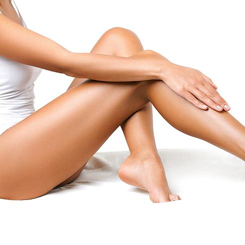 Cinco consejos de endocrino para evitar la retención de líquidos y las piernas pesadas