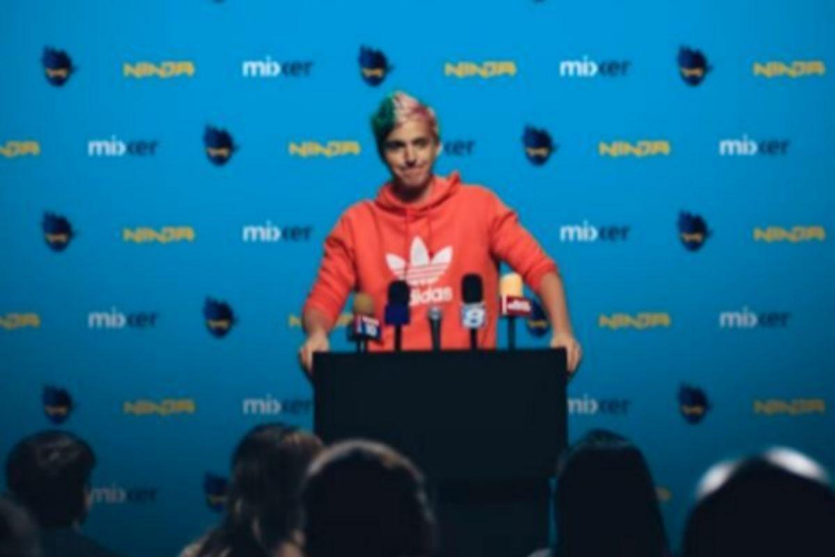 'Ninja', durante el anuncio de su fichaje por Mixer