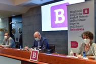 Agus Hernan, Aitzol Asla y Teresa Toda en la presentación del informe.